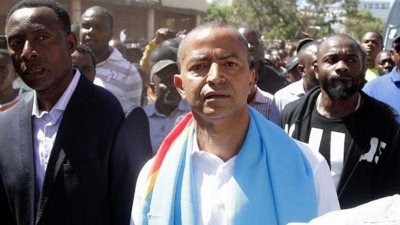 Democratic Republic of Congo's opposition Presidential candidate Moise Katumbi is escorted by his supporters in Lubumbashi, the capital of Katanga province of the Democratic Republic of Congo, May 11, 2016.