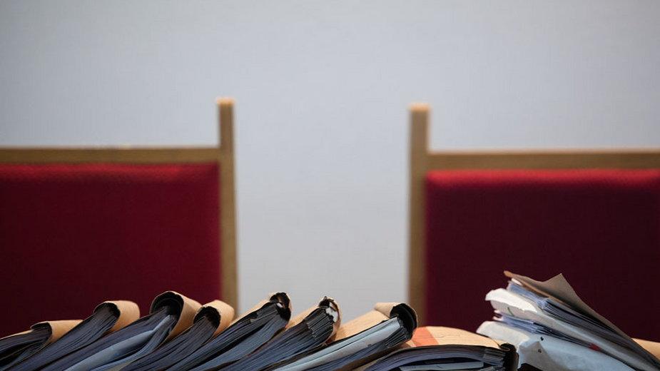 Prokuratura oskarżyła adwokata o 36 przestępstw