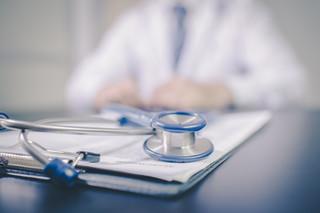 Rząd próbuje stłumić lekarski bunt