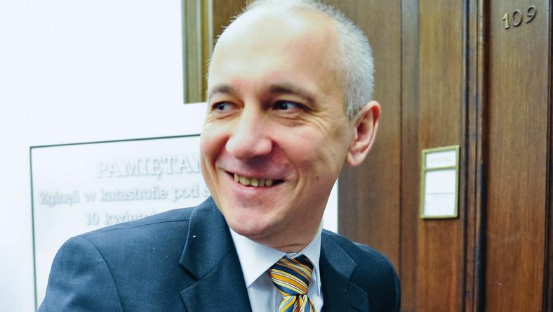 """""""Kaczyński, Brudziński, ten prostak, Hofman, Pawłowska, taka grubsza... Oni ciężko pracują na to, żebyśmy mieli 40 procent poparcia"""" - powiedział w Radiu ZET Stefan Niesiołowski"""