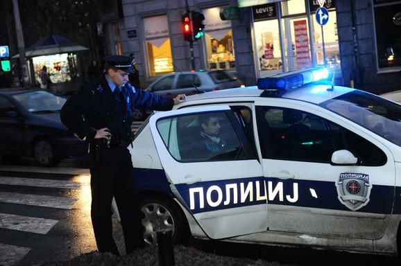 Putnici zadržali napadače i pomogli da ih policija privede
