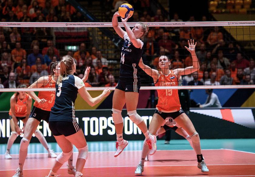 Polki w mistrzostwach Europy zajęły czwarte miejsce, a w kwalifikacjach olimpijskich przegrały 2:3 dramatyczny półfinał z Turcją i w igrzyskach ich zabraknie.