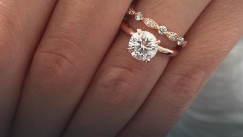To Najpopularniejszy Pierścionek Zaręczynowy Na świecie ślub