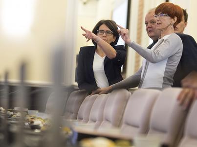 2016.10.11 Warszawa | Posiedzenie Rady Ministrów. Na zdjęciu m.in. minister Anna Streżyńska, minister MRPiPS Elżbiera Rafalska