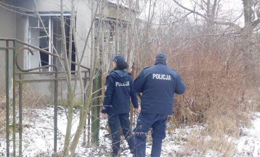 Policja sprawdza miejsca, w których koczują bezdomni