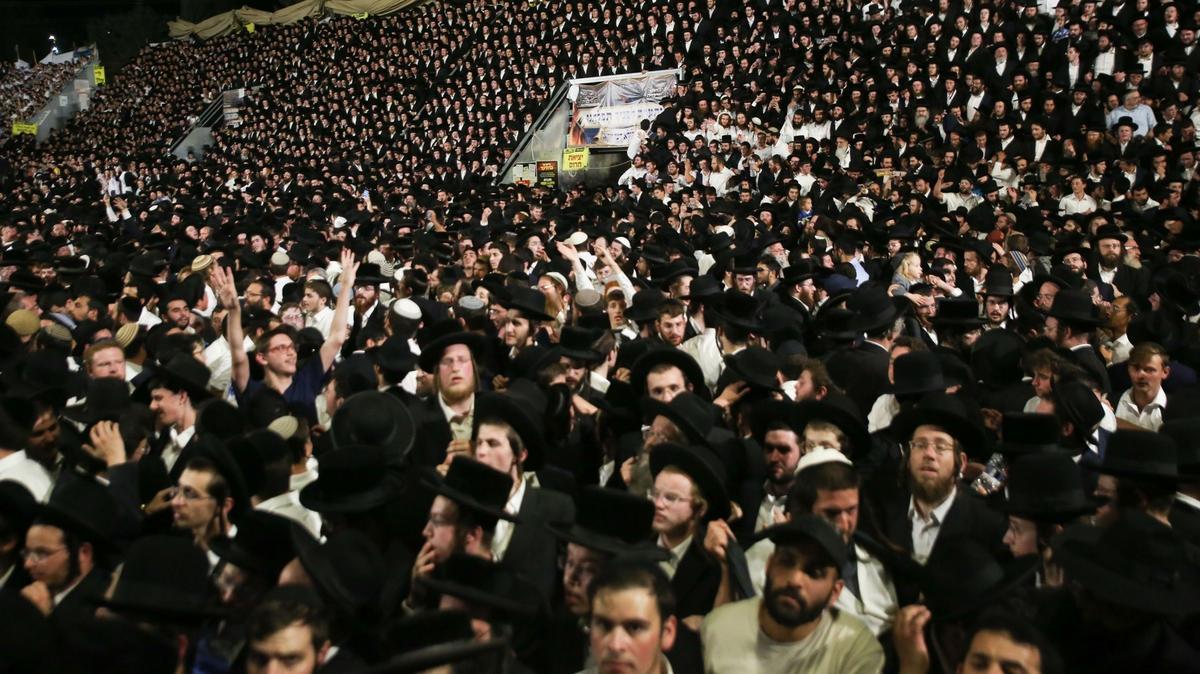 Hatalmas volt a riadalom: fotókon a zsidó fesztivál, ahol több tucat embert tapostak halálra