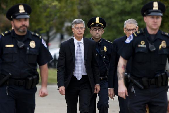 Hoće li njegovo svedočenje Trampu DOĆI GLAVE: Šest najvažnijih stvari koje mogu da okrenu istragu o IMPIČMENTU