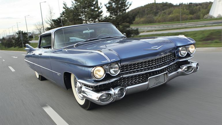 Klasyk z najwyższej półki - Cadillac series 62 sedan