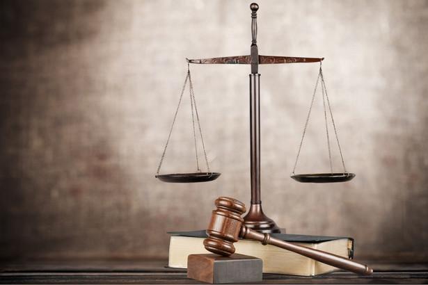 SN zawiesił postępowanie i zdecydował o skierowaniu do ministra sprawiedliwości – prokuratora generalnego wniosku o opinię.