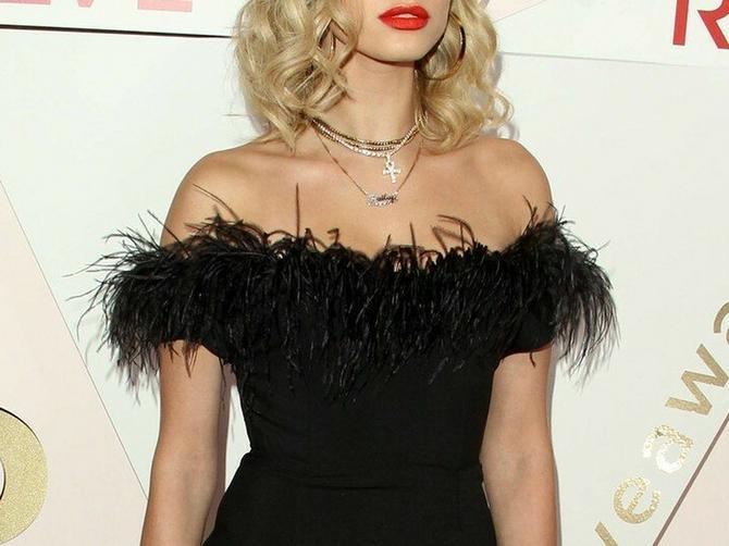 Najseksi žena sveta ne izlazi iz PREKRATKIH haljinica: Da je centimetar kraća, nastao bi KOLAPS