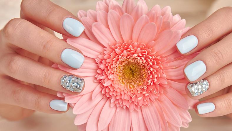 Jakie zdobienia paznokci będą modne tej wiosny?