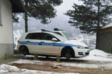 Golf granicne policije sa kojeg su skinuti tockovi