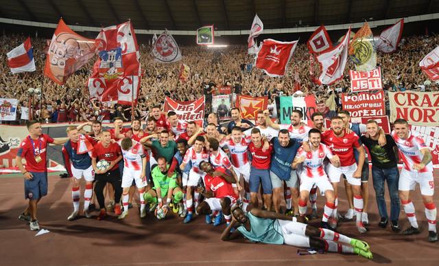 Fudbaleri Crvene zvezde nakon meča sa Jang Bojsom