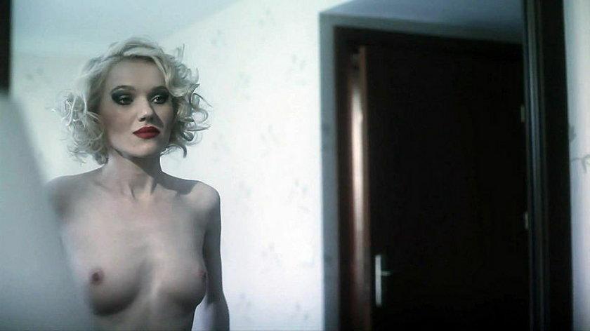 Joanna Majstrak toples