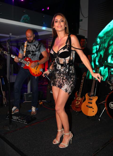 NEPREPOZNATLJIVA: Brinteta je od početka karijera, a sad Marina Visković drastično promenila boju kose!