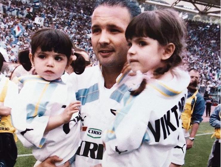 Mihajlović sa ćerkama