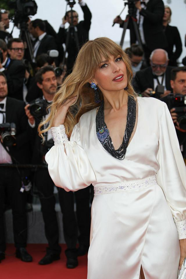 Julia Wieniawa w odważnej sukience z dużym dekoltem