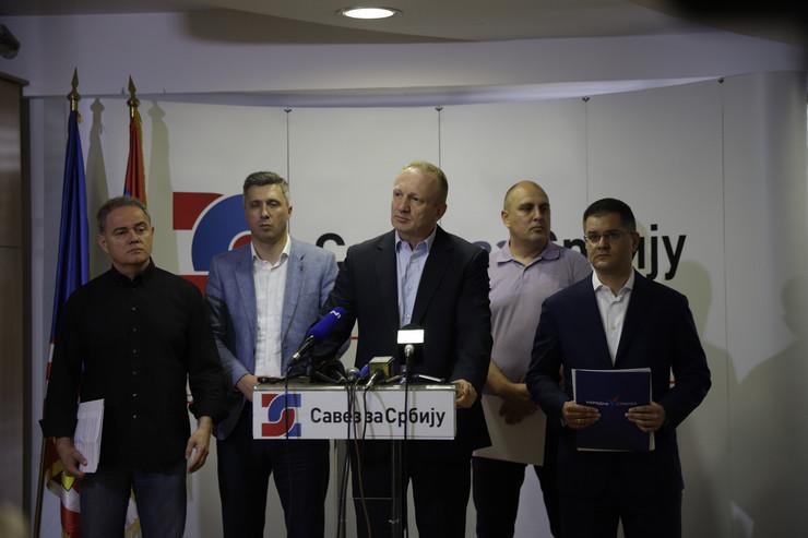Jeremićeva stranka bi prva trebalo da proglasi bojkot, a potom Dveri i ostatak SzS. Jedino u DS-u žestoko podeljeni