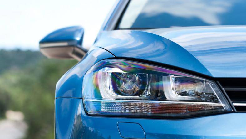 """Eksperci brytyjskiego magazynu """"Diesel Car"""" najlepsze auta z silnikiem Diesla wybrali po sprawdzeniu 26 modeli, które dostały się do finałowej rozgrywki. W testach pomagali im mechanicy z firmy Celtic Tuning, która od 23 lat zajmuje się modyfikacjami silników wysokoprężnych. Oto najlepsze samochody napędzane jednostką dieslowską…"""
