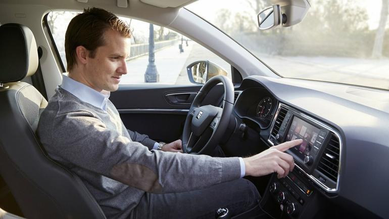 Seat. Funkcje integracji ze smartfonem w nowym radiu multimedialnym