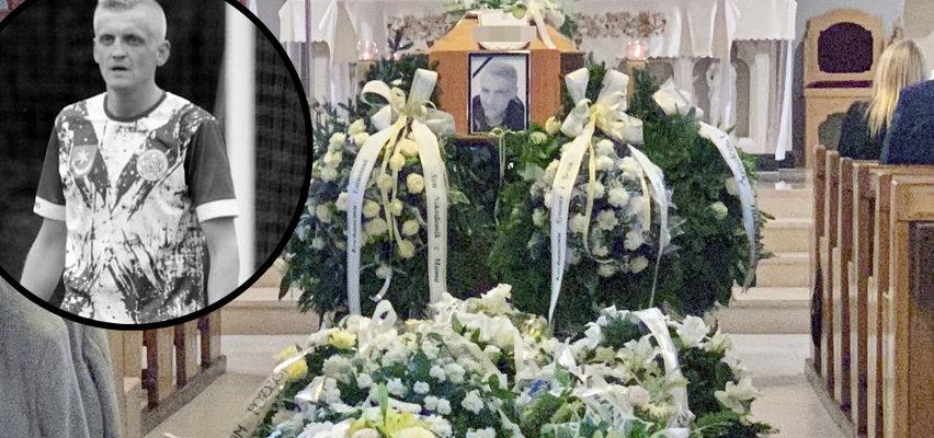 Pogrzeb piłkarza Sylwestra Cebuli. Nie pochowano go w garniturze. Życzenie bliskich było inne. To... piękny i symboliczny gest