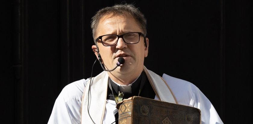 Ksiądz z Poznania obraził już wiele osób. Odpowie za znieważenie policjanta [NAGRANIE]