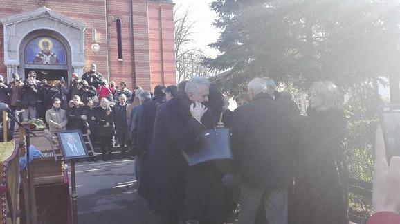 Tomislav Nikolić izjavljuje saučešće Mileni Ivanović, supruzi ubijenog Olivera Ivanivća