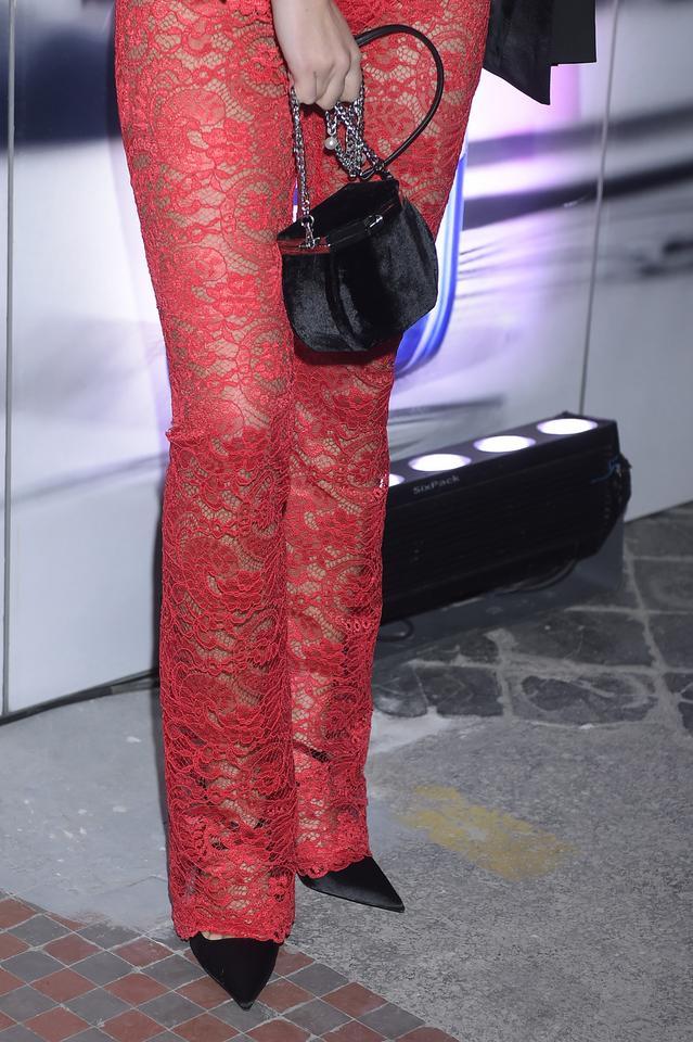 Joanna Moro w koronkowym kombinezonie