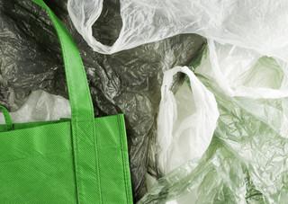 Od 1 września każda torba foliowa będzie płatna - 20 gr plus VAT