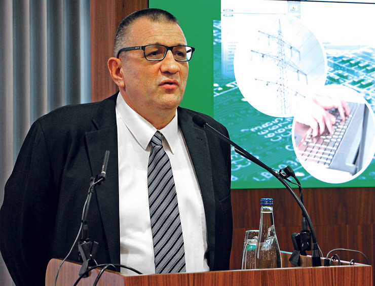 Novi Sad, profesor Dragan Popović, studenti FTN