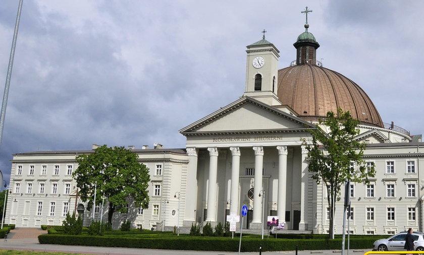 Ks. Sławomir Bar udostępnił kaplicę na ogrzewalnię dla bezdomnych