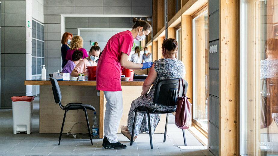 Uniwersytet Wrocławski prowadzi akcję szczepień swoich studentów i pracowników