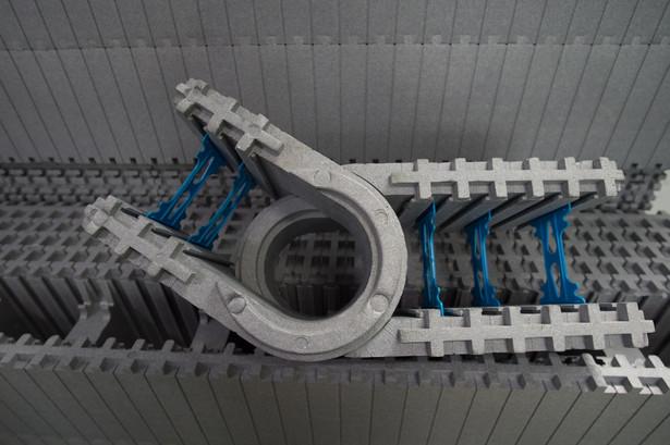 Technologia Izodom fachowo nazywa się technologią traconego szalunku. Polega na budowie obiektów z prefabrykatów niczym z klocków, która łączone są dzięki specjalnym wypustkom znajdującym się na każdym elemencie systemu. fot. (gm/mr) PAP/Grzegorz Michałowski
