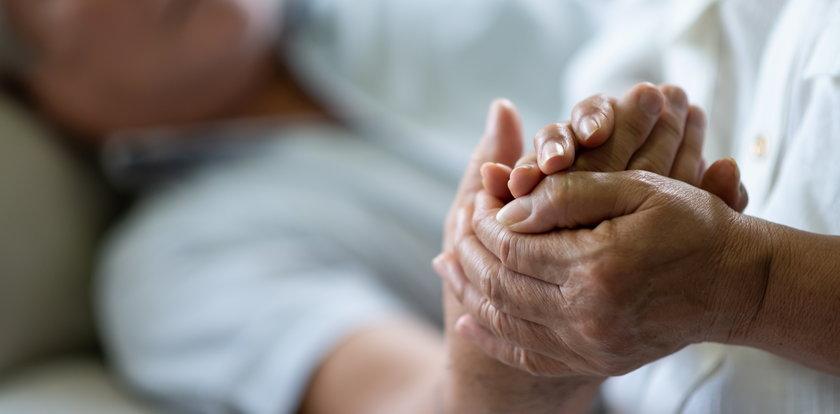 Naukowcy alarmują! Tragiczny wzrost zgonów wśród osób powyżej 65. roku życia. Nie chodzi o COVID-19