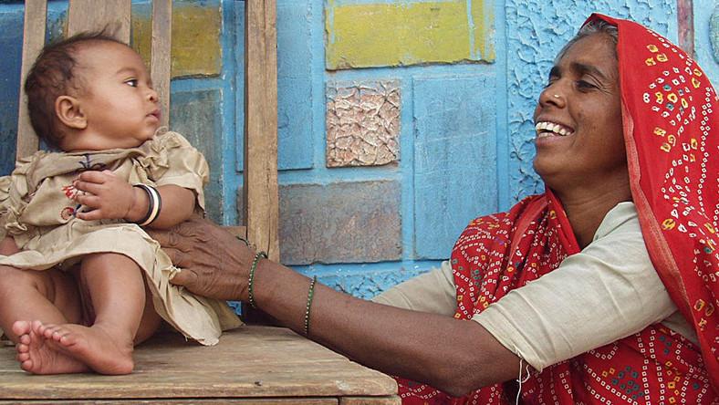 Prawie 3 tys. dolarów chcą płacić indyjskie władze rodzicom za wychowanie córek
