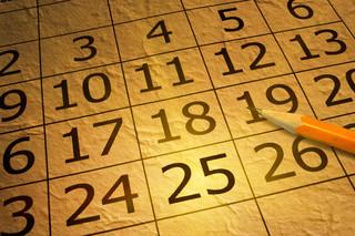 Dzień czy data? Bałagan z rokiem obrotowym w KRS