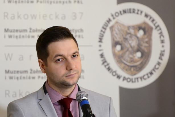 """Według Jakiego prezydent Warszawy """"naprawdę się boi, kiedy zostaną jej zadane trudne pytania dotyczące tego, czy miała wiedzę np. na temat sytuacji dotyczącej Noakowskiego 16""""."""
