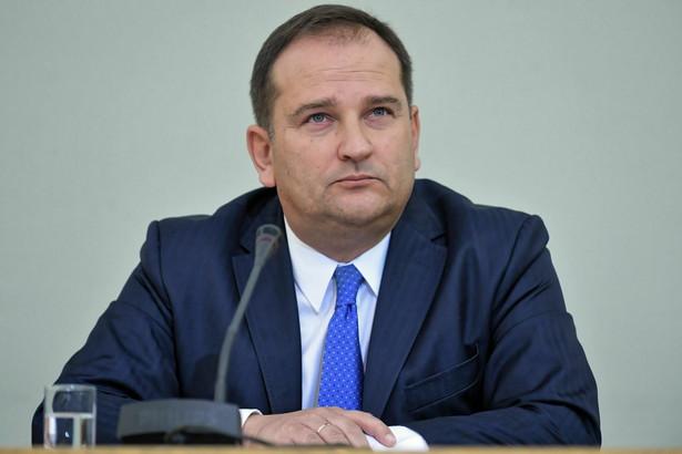 """""""Nie ustalałem niczego z ministrem Cichockim. Minister Cichocki powiedział mi swoją ocenę zaistniałej sytuacji i powiedział o tym, jakie będzie działania rekomendował premierowi"""" - tłumaczył świadek."""
