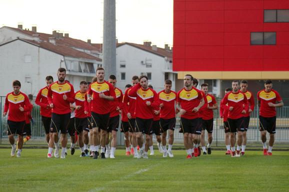 Fudbalska reprezentacija Crne Gore na treningu pred susret sa