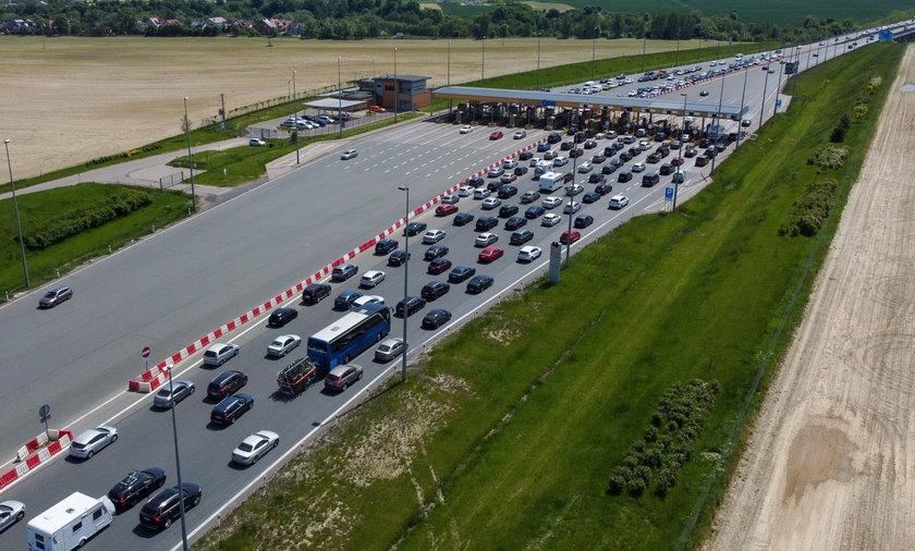 Korek przed bramkami na autostradzie A1