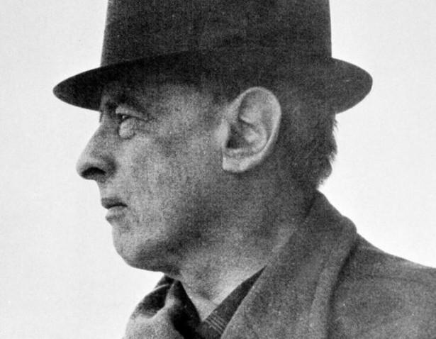 Witold Gombrowicz. Fot. Bohdan Paczowski (domena publiczna), via Wikimedia Commons
