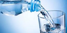 Unikaj takiej wody. Jest szkodliwa dla zdrowia