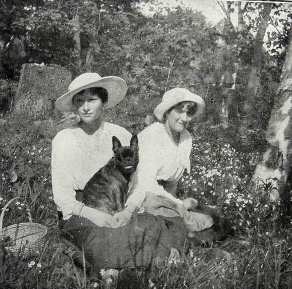 Tatjana i Anastasija Romanova