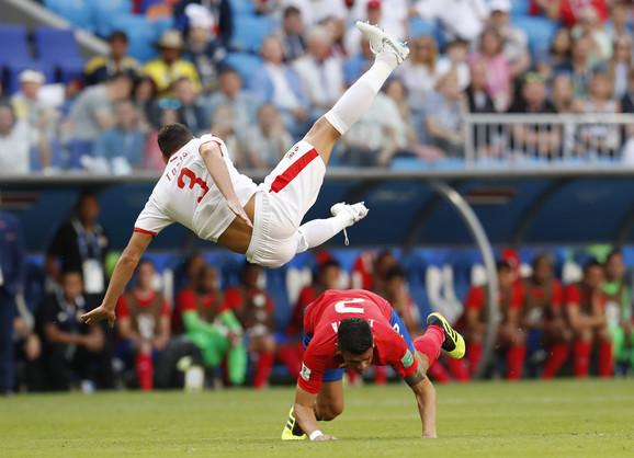 Duško Tošić u letu na meču sa Kostarikom