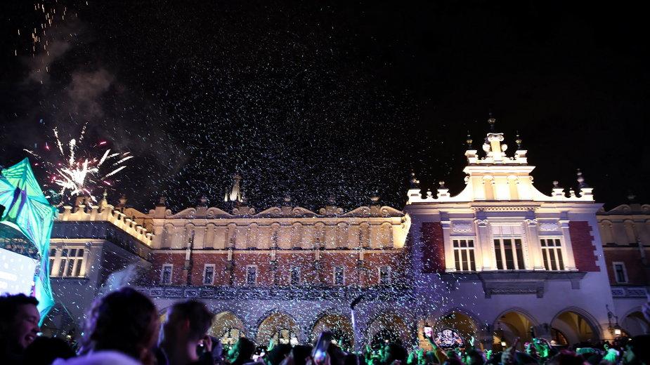 Przywitanie Nowego Roku 2020 podczas koncertu na Rynku Głównym w Krakowie