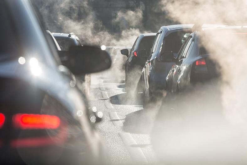 Spaliny z samochodów