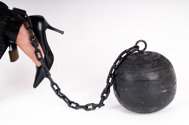Naruszenie art. 212 kodeksu karnego pozwala karać pozbawieniem wolności