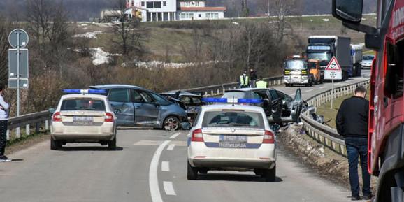 Nakon nesreće policija uhapsila dvojicu mladića koji nisu bili pod uticajem alkohola