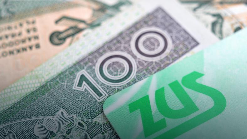 Obniżenie wieku emerytalnego - dane ZUS