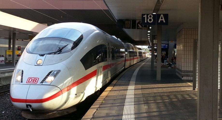 Deutsche Bahn: Ab 2016 gibt's Gratis-Internet im ICE